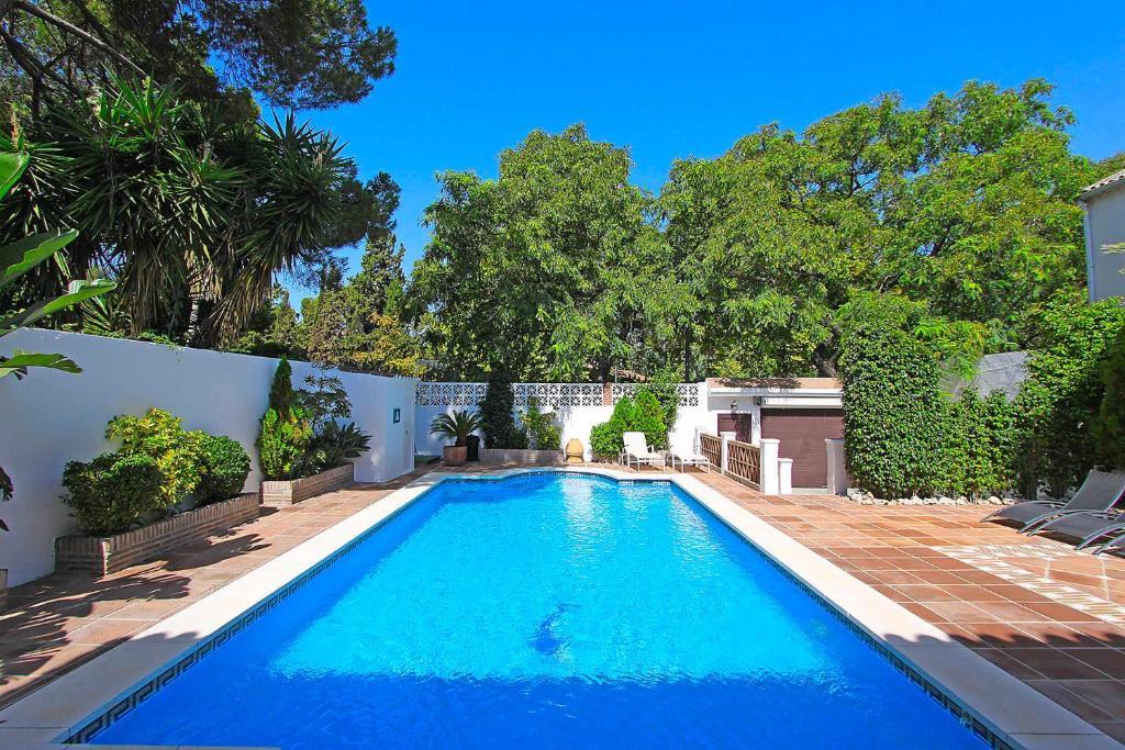1102 Villa with pool ,lounge, BBQ ,direkt in Marbella ...