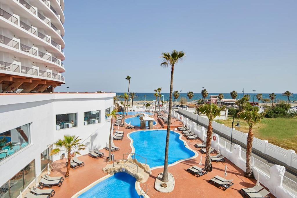 A view of the pool at Marconfort Costa del Sol or nearby