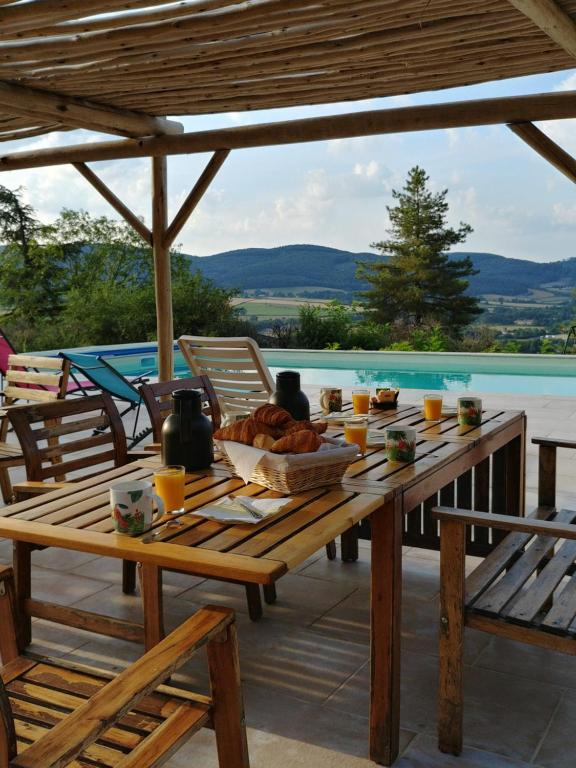 Bed And Breakfast Les Terrasses De L Abbaye Cluny France
