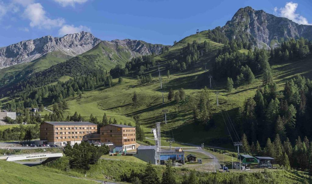 Blick auf JUFA Hotel Malbun Alpin Resort aus der Vogelperspektive
