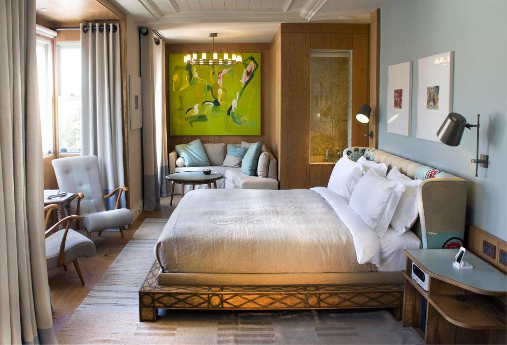 سرير أو أسرّة في غرفة في آلافيا