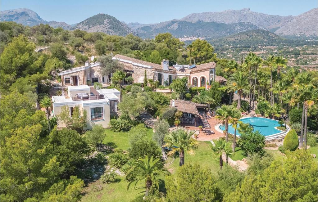 A bird's-eye view of Six-Bedroom Holiday Home in Pollenca