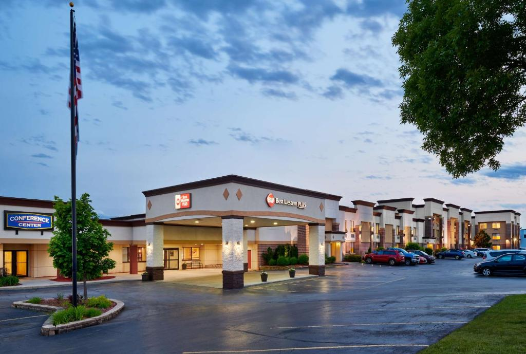 Best Western Plus Milwaukee Airport Hotel & Conference Center.