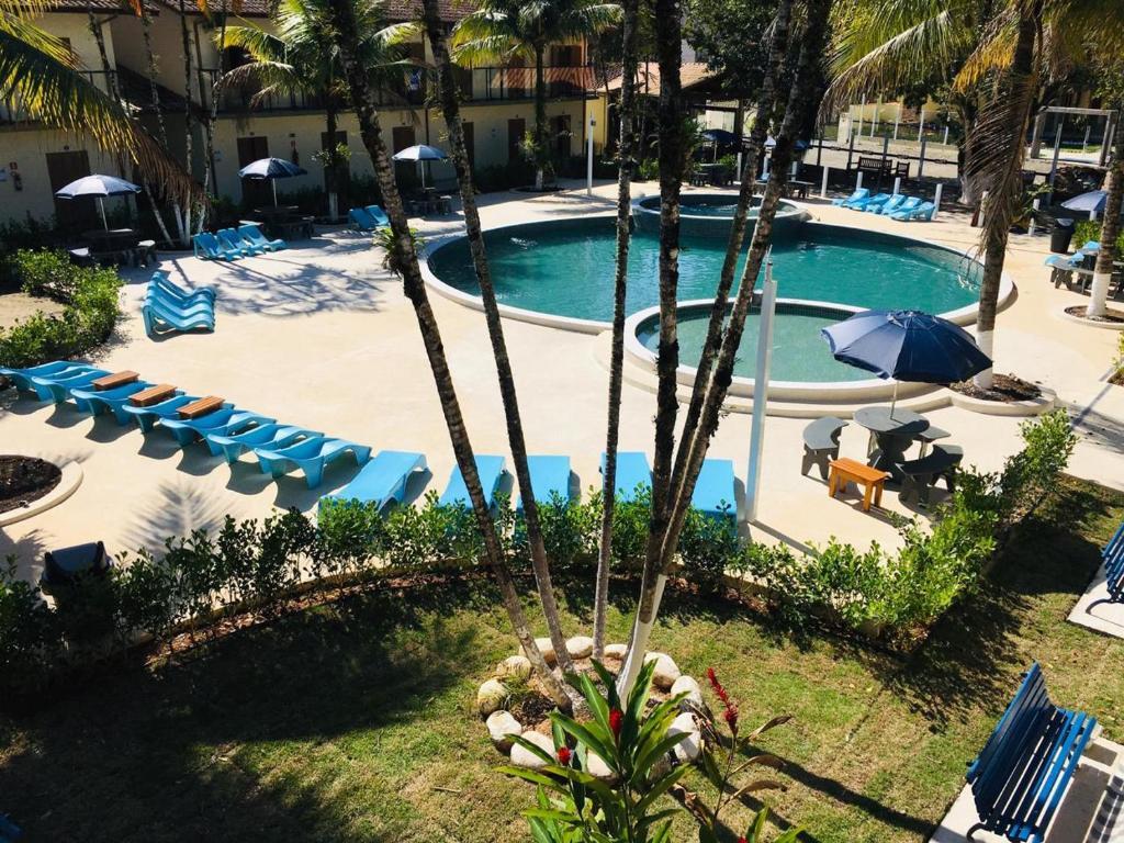 Uma vista da piscina em Pousada Ilha Vitoria ou nos arredores
