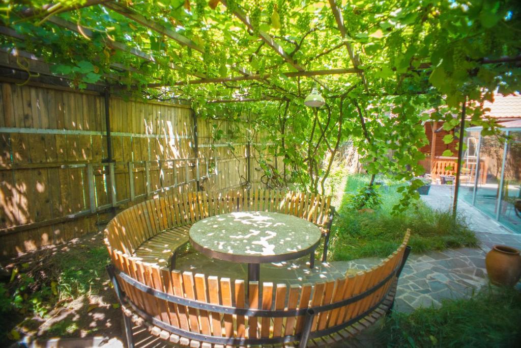 A garden outside Hotel Almi