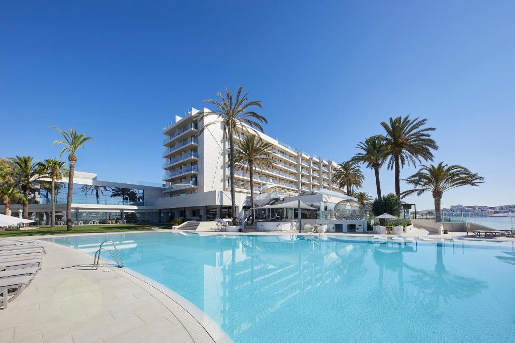 Booking.com: Hotel Torre del Mar - Ibiza , Playa den Bossa ...