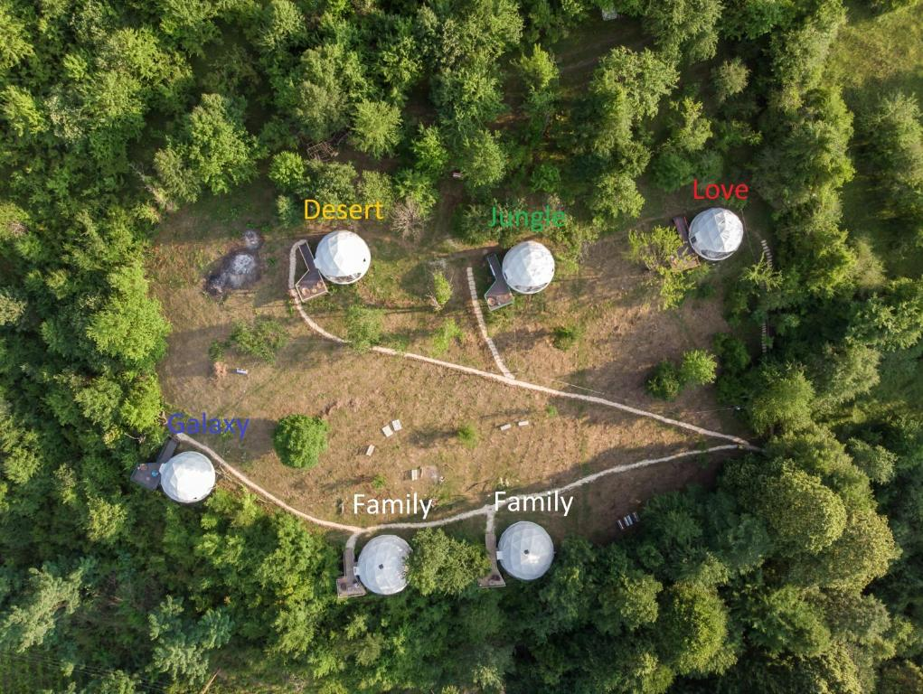 A bird's-eye view of Glamping Georgia Krikhi