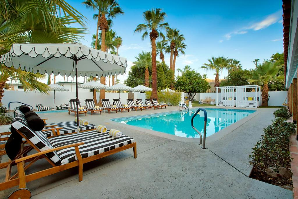 The swimming pool at or near Dive Palm Springs