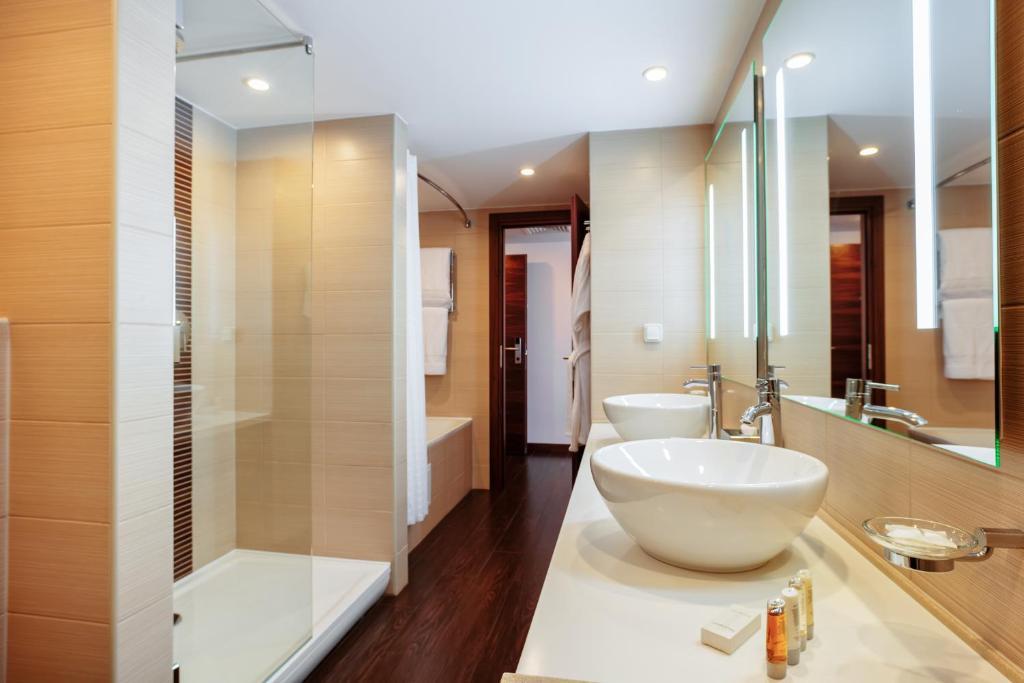 Ванная комната в Hilton Garden Inn Krasnodar