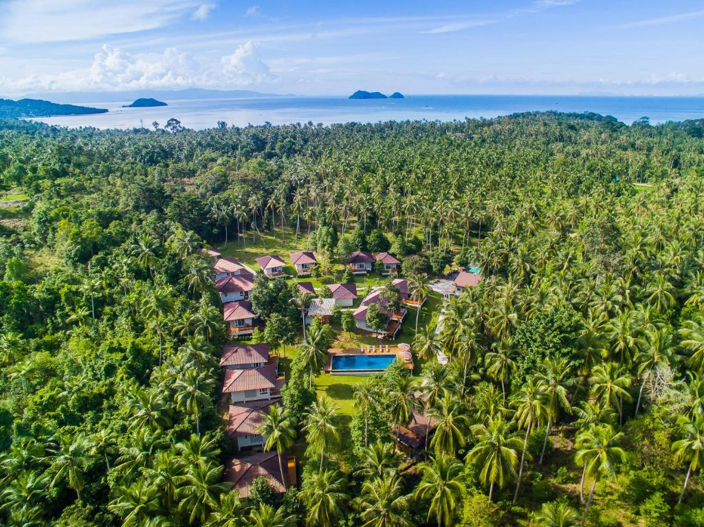 A bird's-eye view of Phangan Akuna