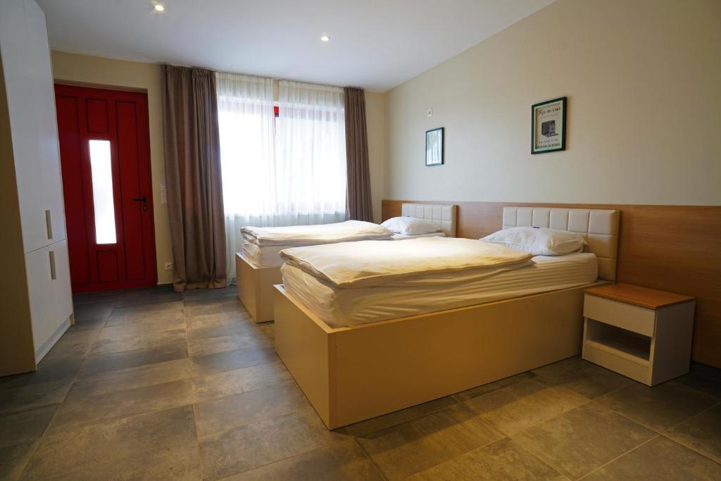 Nava Camere Da Letto.Nava Motel Storage Wiener Neustadt Prezzi Aggiornati Per Il 2020