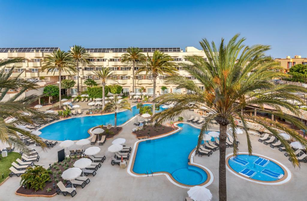 A view of the pool at Barceló Corralejo Bay - Adults Only or nearby