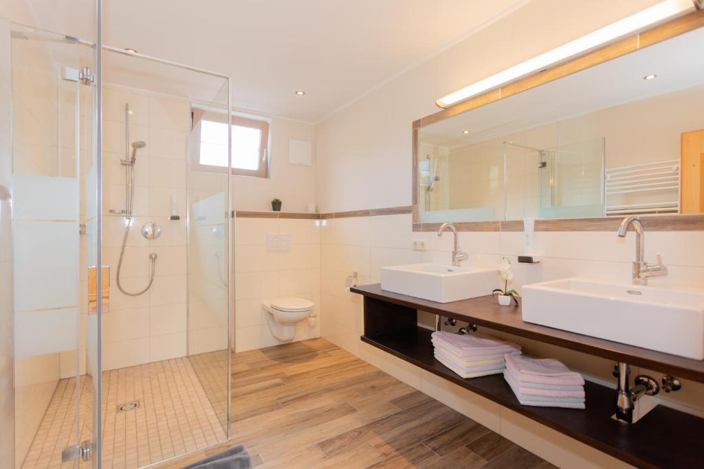 Ein Badezimmer in der Unterkunft Landhotel Oberdanner