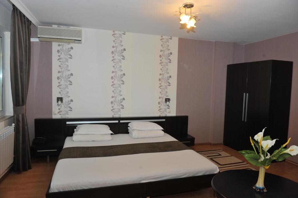 Eros Motel
