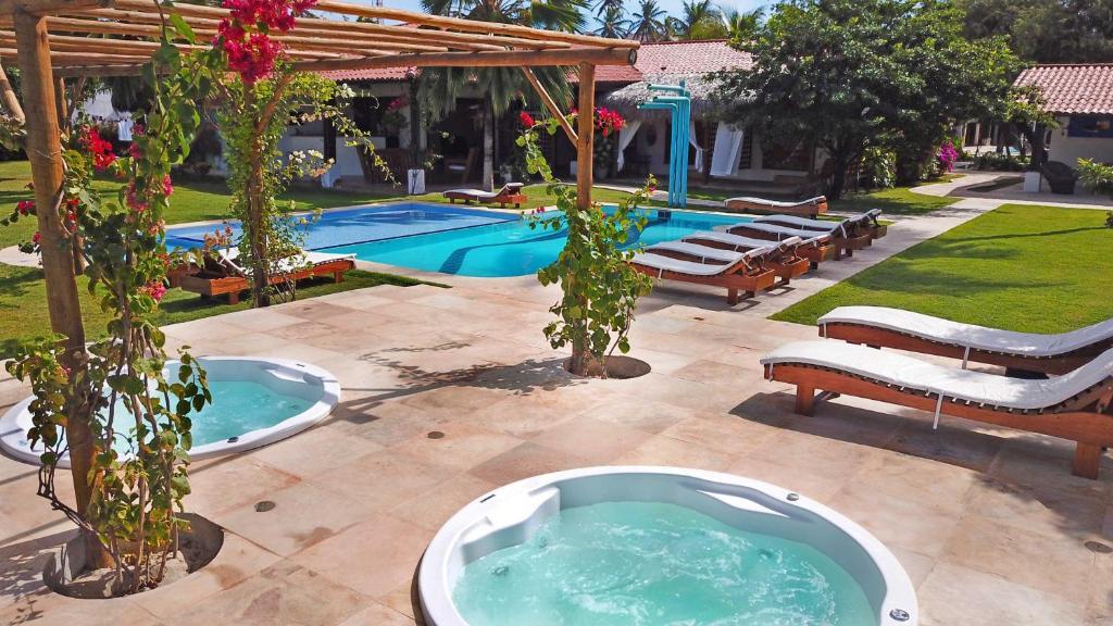 The swimming pool at or close to Tucano Pousada