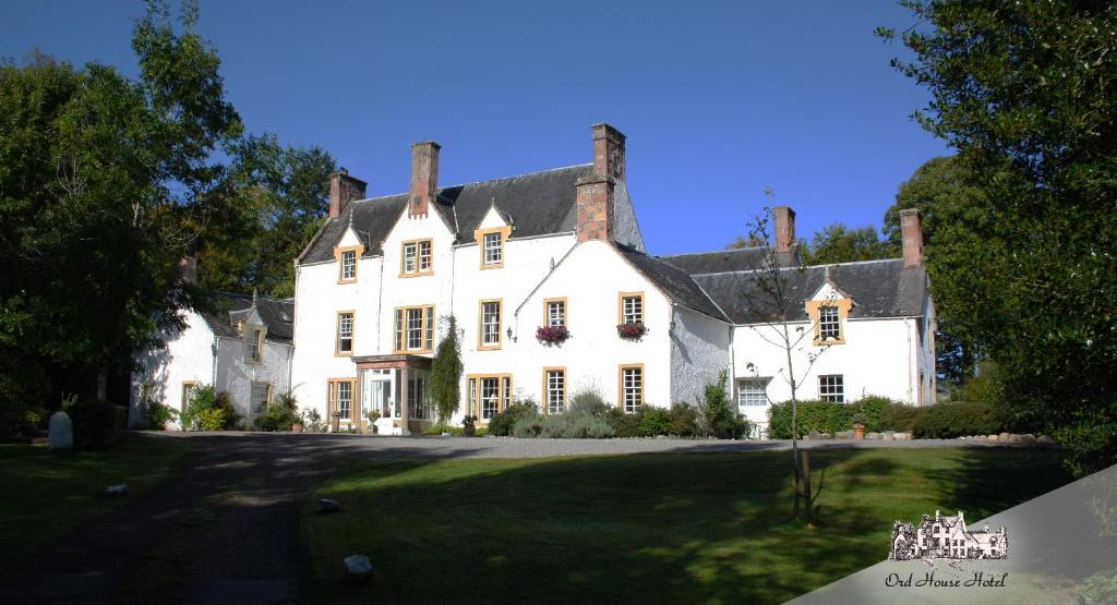 The building in which the country house is located