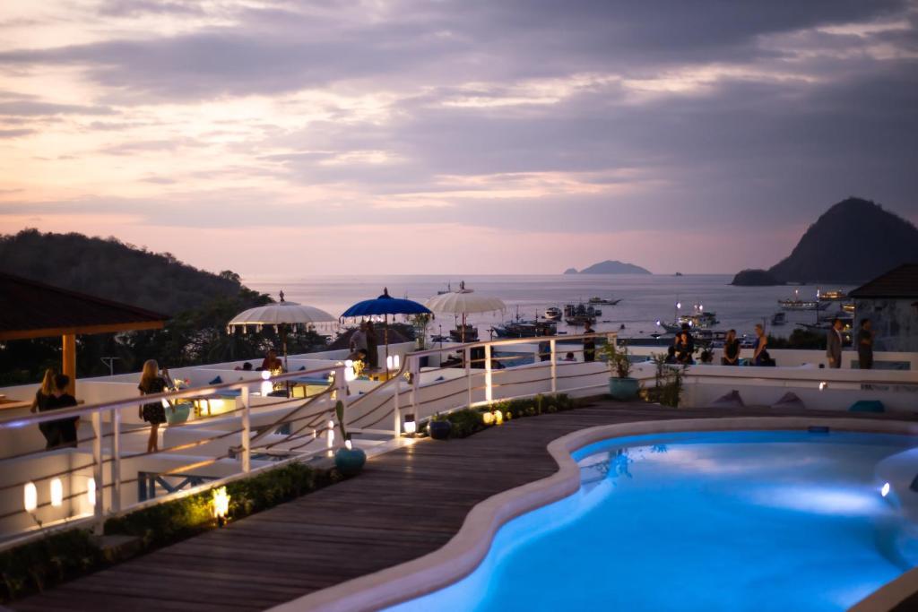 The swimming pool at or near Seaesta Komodo Hostel & Hotel