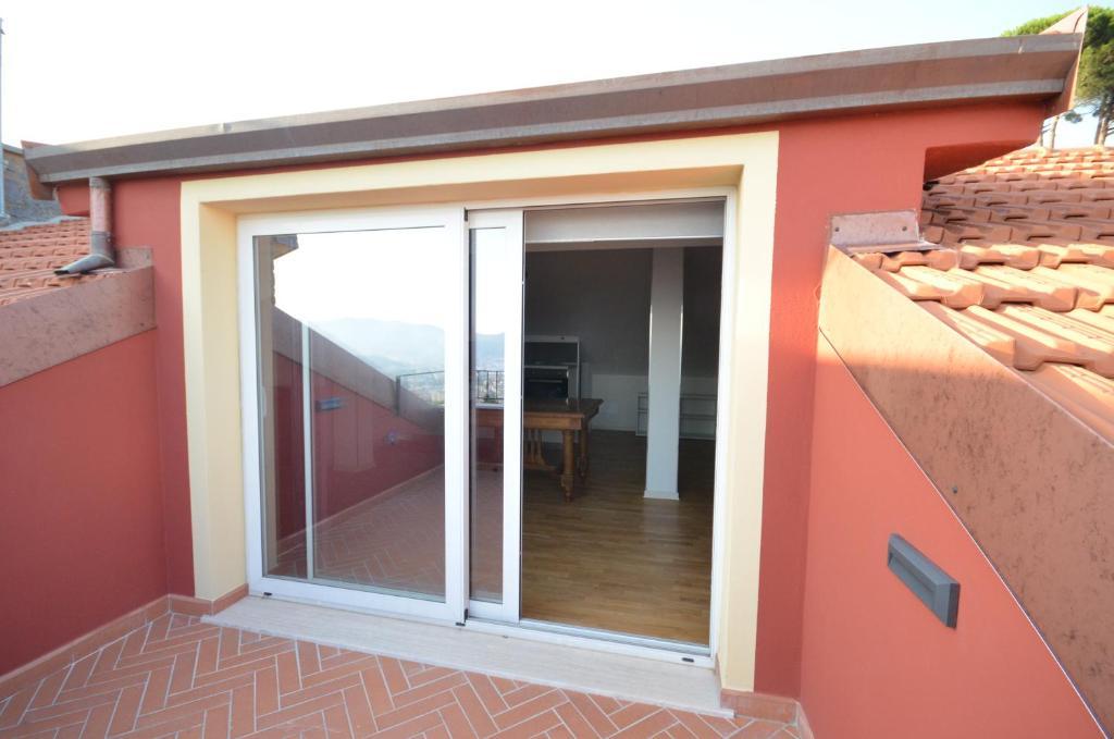 Apartment La Casa Con Vista Di Emma Vezzano Ligure Italy
