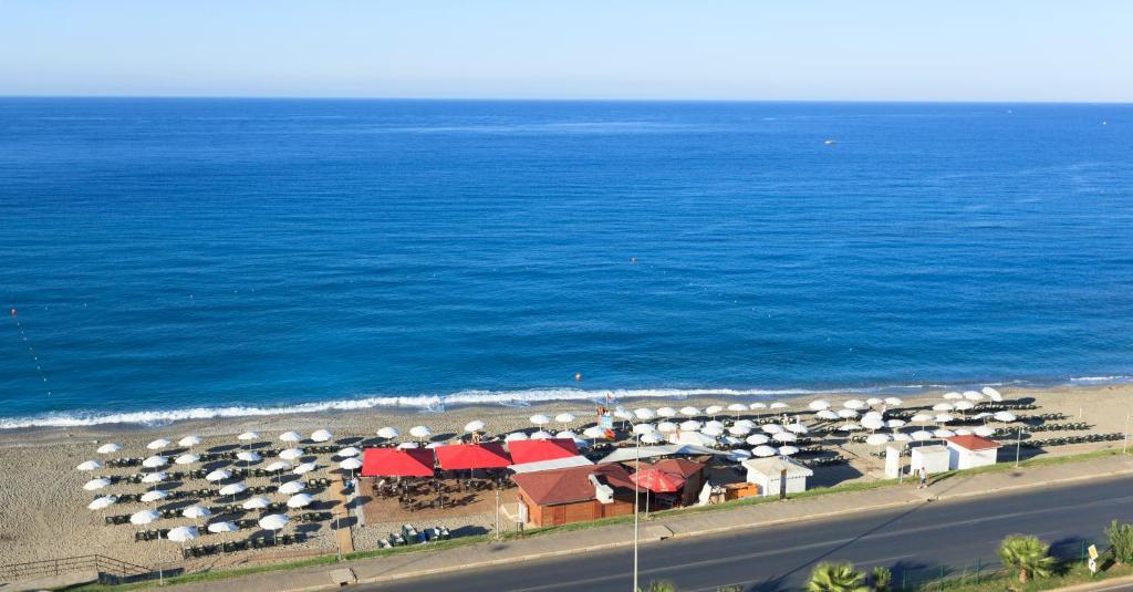 Общий вид на море или вид на море из курортного отеля