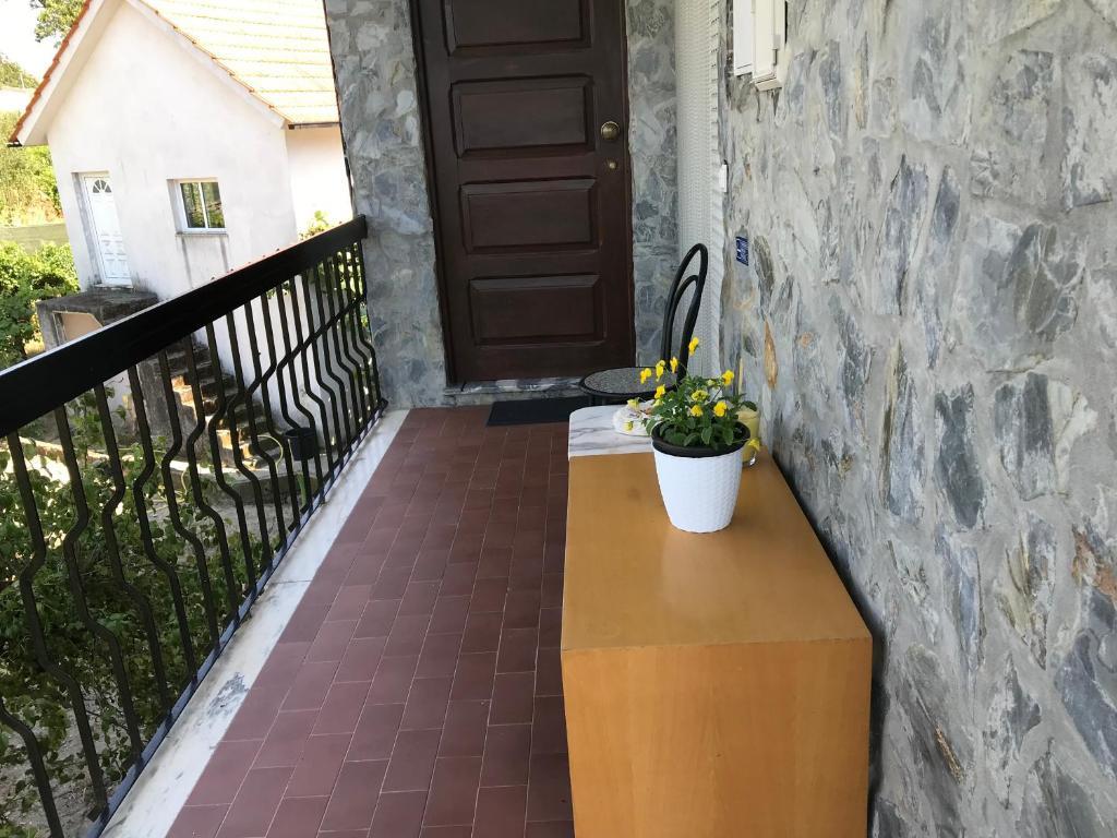 ระเบียงหรือลานระเบียงของ Fataunços Holiday House
