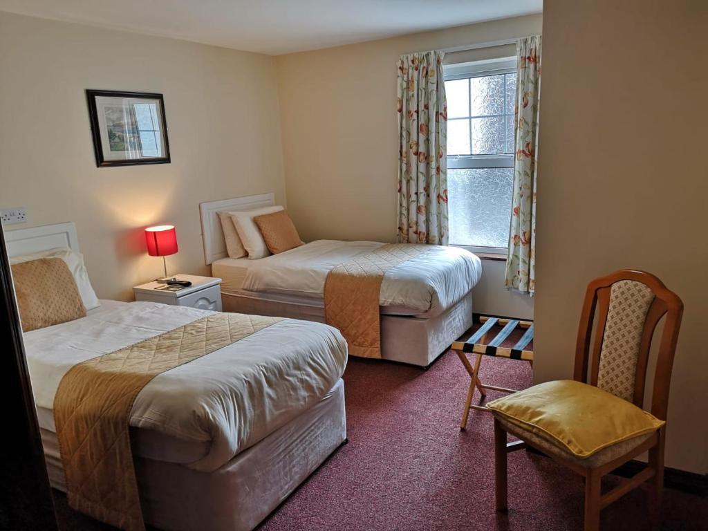 Central Hotel Donegal, Ireland - uselesspenguin.co.uk