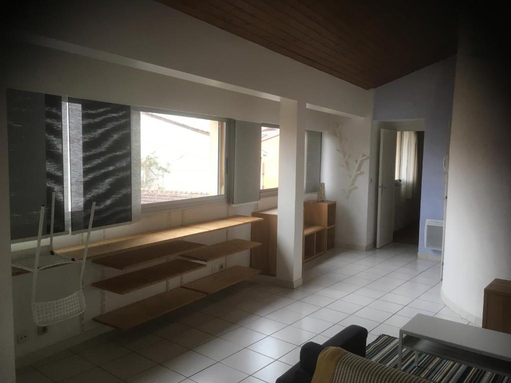 Meuble Four Plaque Induction apartment t2 meublé dax, landes, france - booking