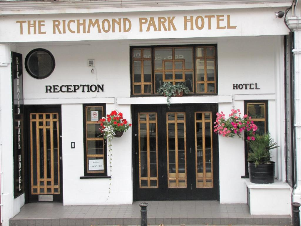 Richmond Park Hotel.