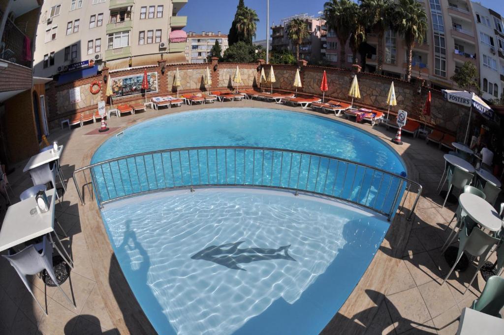 Вид на бассейн в Wasa Hotel или окрестностях