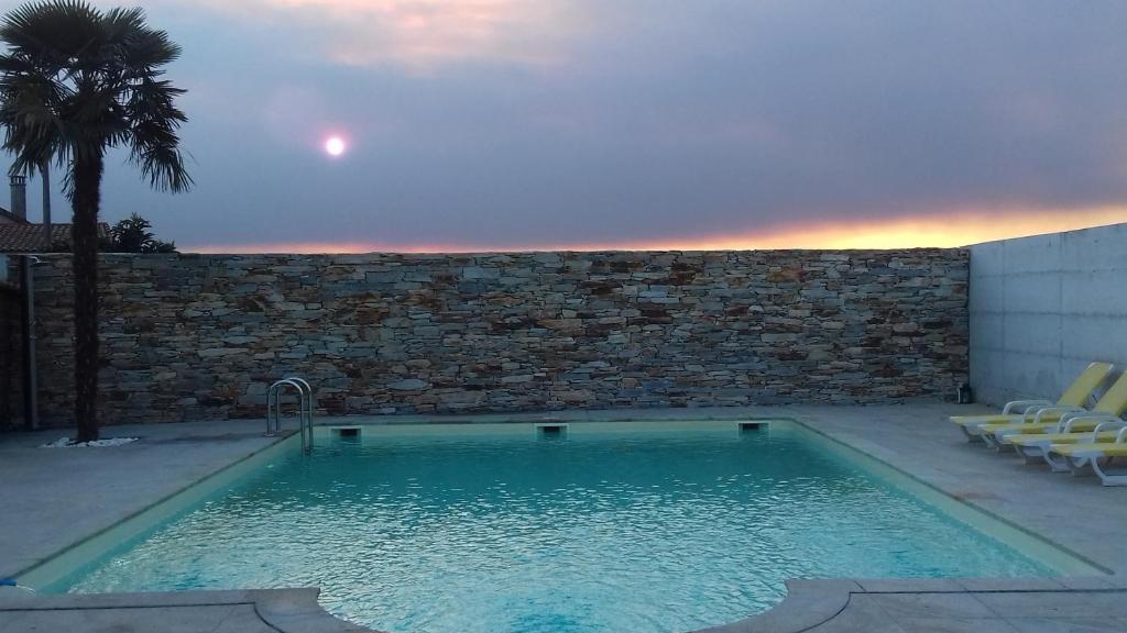 The swimming pool at or near Casal da Porta - Quinta da Porta