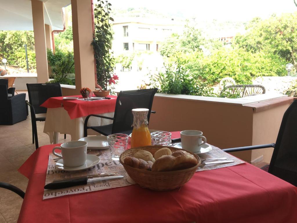 Bed And Breakfast Casa Mariluka Capoterra Italy Booking Com
