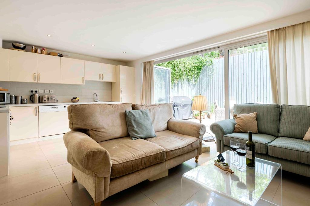 Spacious Apartment In The Heart Of Notting Hill