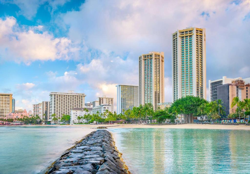 Resort Hyatt Regency Waikiki Hi Honolulu Hi Booking Com