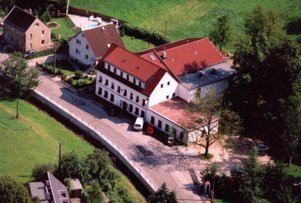 A bird's-eye view of Landhotel Goldener Löwe mit Pension Am Taurastein
