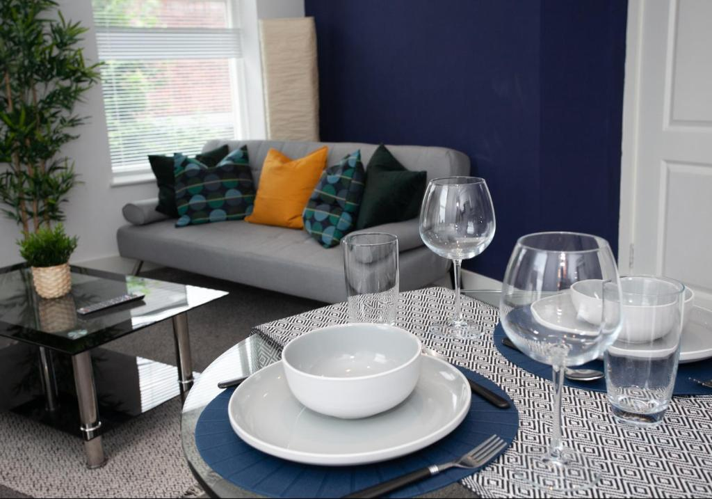 Cross Street Boutique Apartment- Altrincham Centre