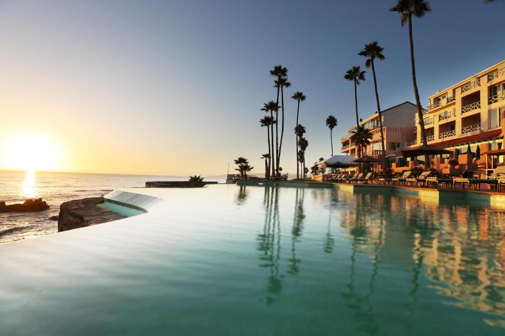 The swimming pool at or near Hotel Las Rosas & Spa