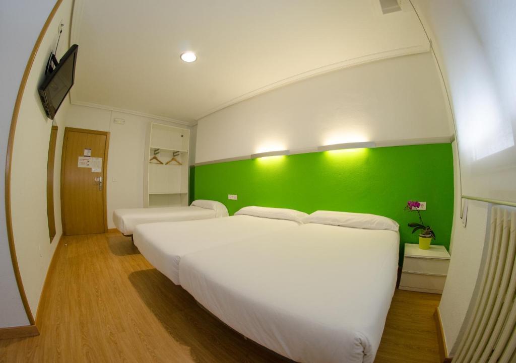 Hotel Centro Vitoria (España Vitoria) - Booking.com