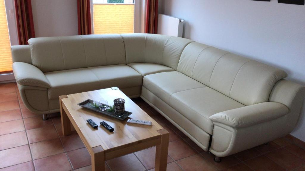 A seating area at Ferienwohnung Sandstrand