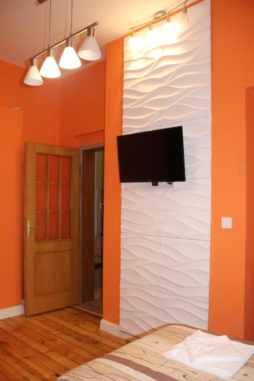 هتل Center Brand New Apartment 4
