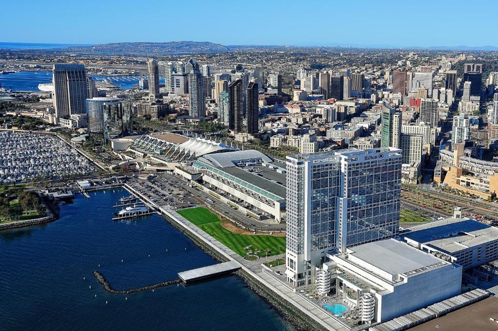 A bird's-eye view of Hilton San Diego Bayfront