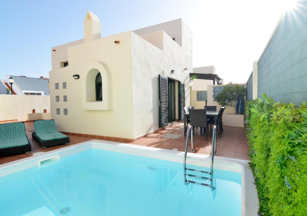 Villa Olympia Lovely Close To Town And Beaches With Private