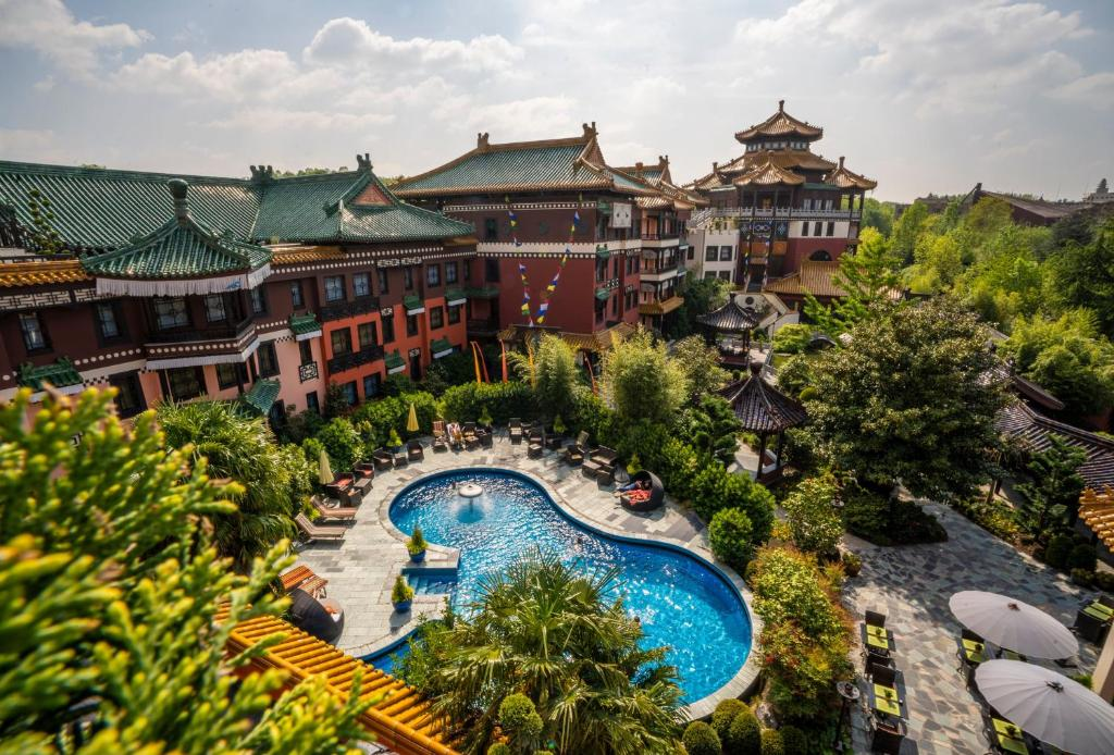 A view of the pool at Hotel Ling Bao, Phantasialand Erlebnishotel or nearby