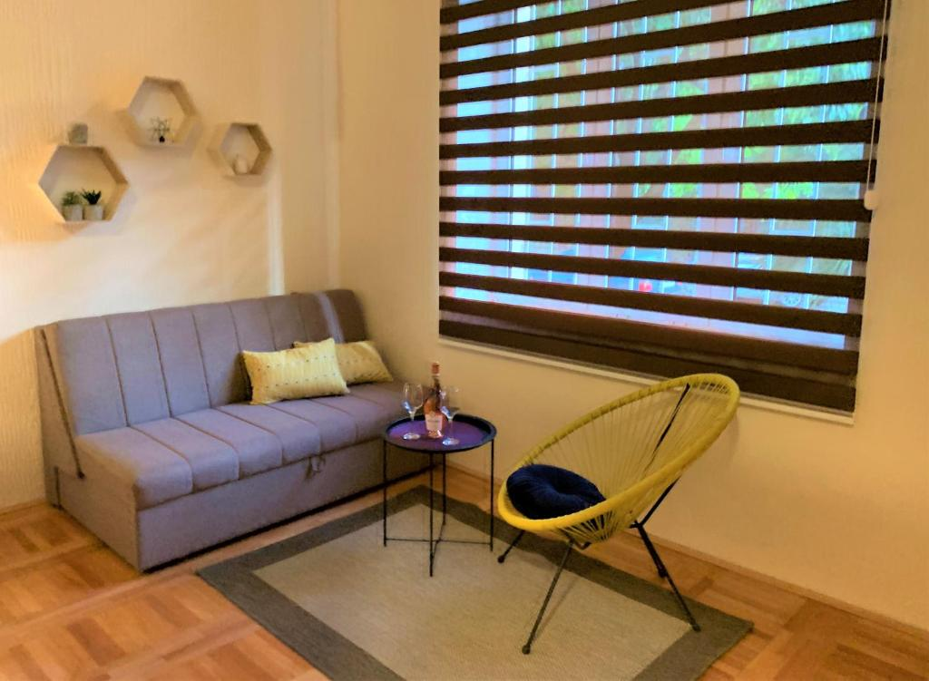 A seating area at Cicki Apartments II