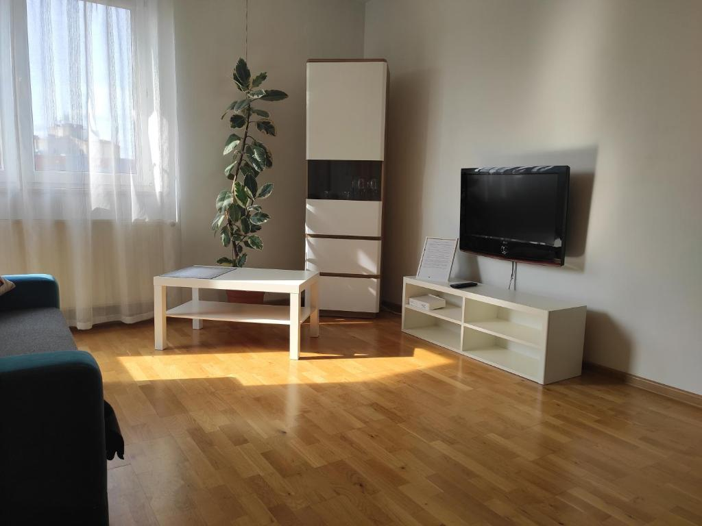 Apartament Zalesie TV 또는 엔터테인먼트 센터