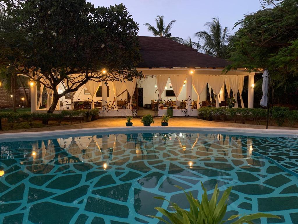 Bassenget på eller i nærheten av Villa Ameera Malindi