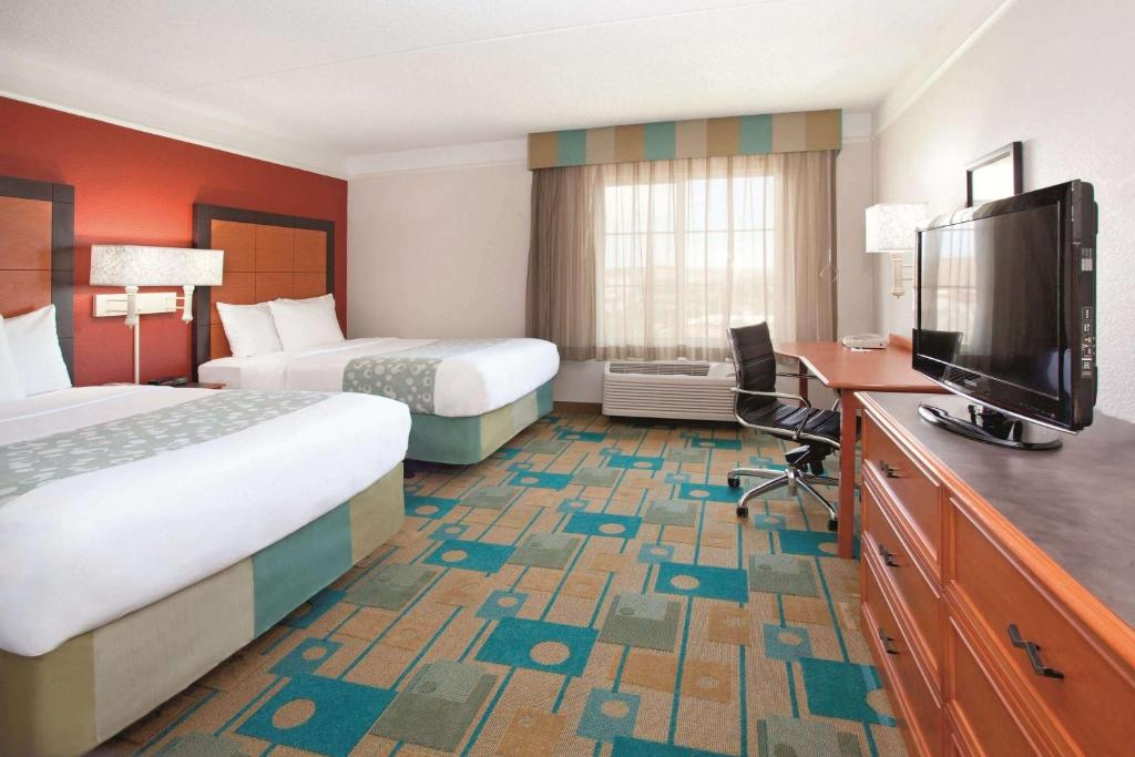 La Quinta Inn & Suites Colorado Springs South AP