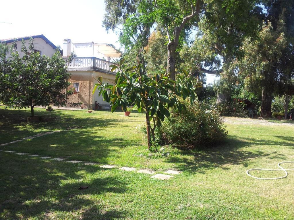 A garden outside Agriturismo Il Casotto