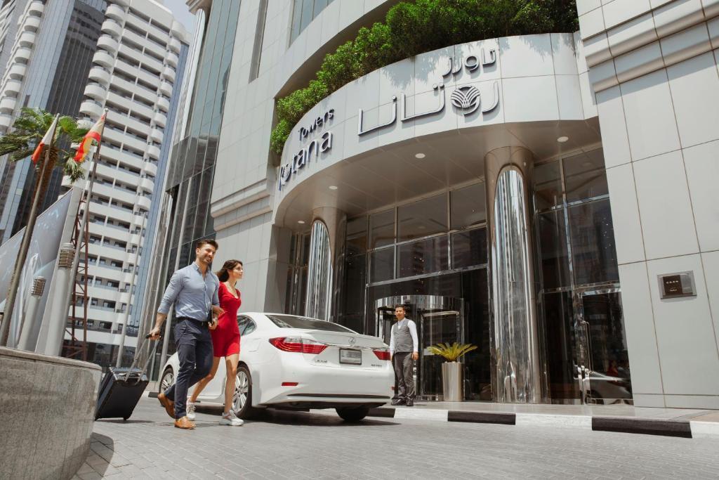 Guests staying at Towers Rotana - Dubai