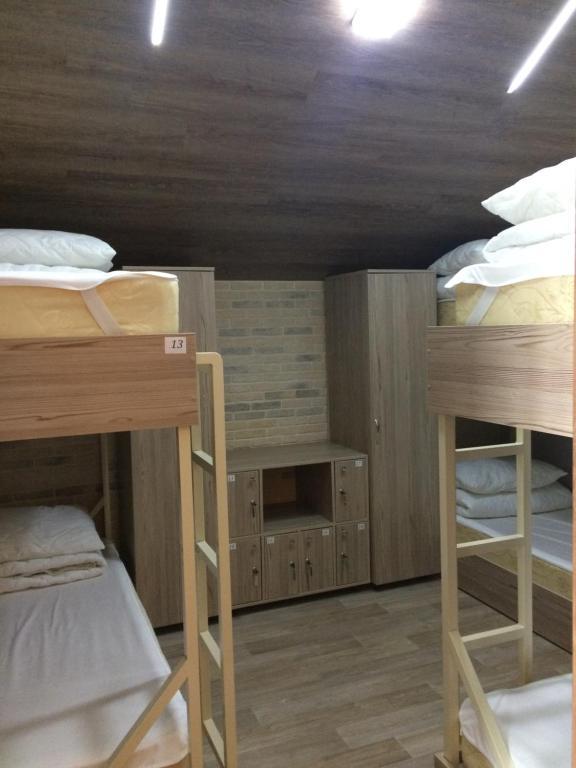 A bunk bed or bunk beds in a room at Hostel V Korobke