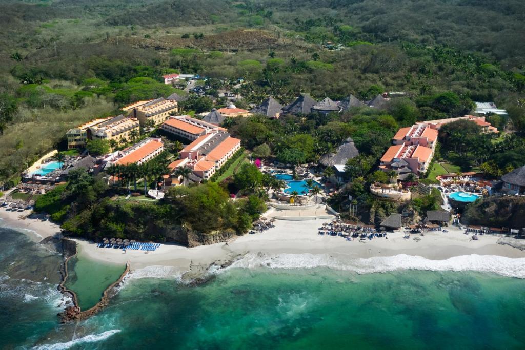 A bird's-eye view of Grand Palladium Vallarta Resort & Spa All Inclusive