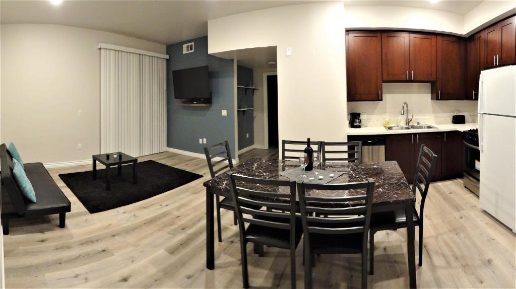 Fully Furnished Apartments in Reseda.